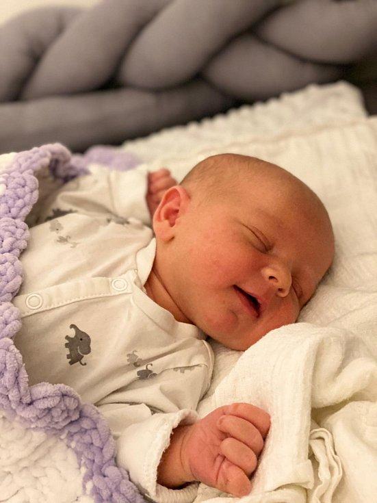 Filip Dittrich se narodil mamince Pavle Šímové.  22. dubna v 8.51 hodin. Měřil 51 cm a vážil 3,96 kg.