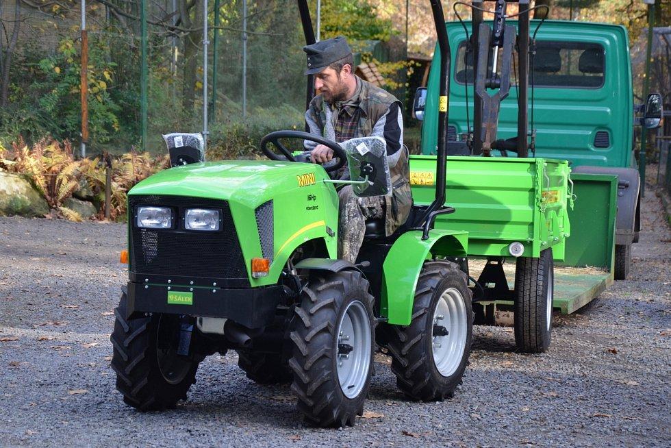 Nový traktor děčínské zoo.