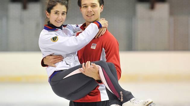 OLYMPIJSKÝ PÁR. Cortney Mansour a Michal Češka.