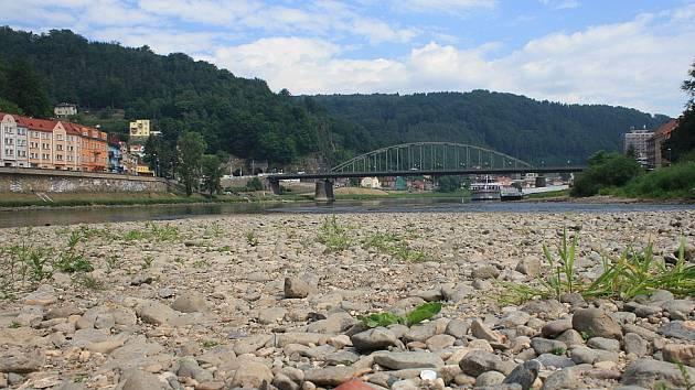 Řeku Labe zasáhlo sucho.