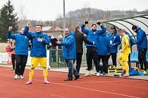 PARÁDA! Varnsdorf (ve žlutém) porazil Sigmu Olomouc B 4:2.