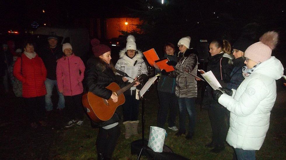 Zahájení adventu a rozsvícení vánočního stromu v Jiřetíně pod Jedlovou