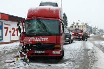 V Benešově nad Ploučnicí se srazily dva kamiony.