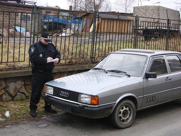 Vraky aut mizí z ulic Děčína