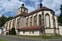 Kostel Narození Panny Marie v Benešově nad Ploučnicí.