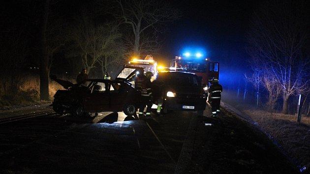 Při nehodě u České Kamenice zemřeli dva lidé