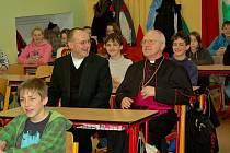 Nejsevernější gymnázium republiky navštívil 20. sídelní biskup litoměřický Mons. Jan Baxant