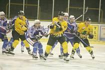 Předehrávku v Sokolově děčínští hokejisté zvládli.