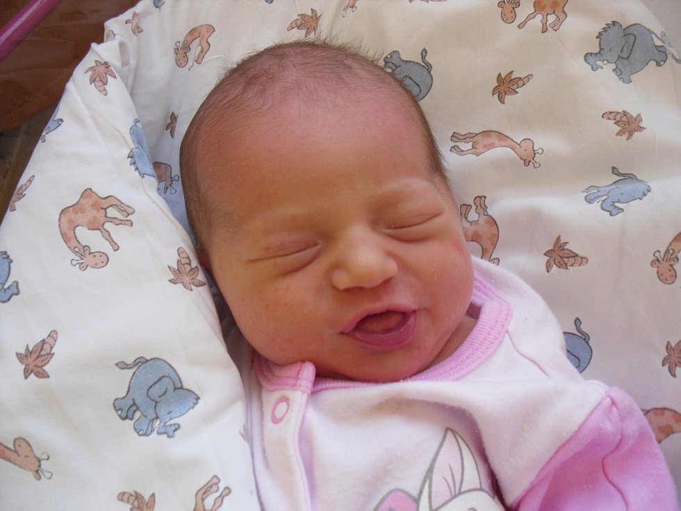 Mamince Petře Lochmanové a tatínkovi Zdeňkovi Lochmanovi z Jílového se v úterý v 22:04 hodin narodila dcera Stella Lochmanová. Vážila 3,18 kg.