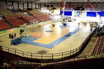 Přestavba zimního stadionu v Děčíně na basketbalovou arénu
