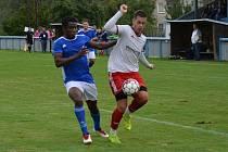 DERBY. Jílové (bílé dresy) doma prohrálo derby s Modrou 1:2.