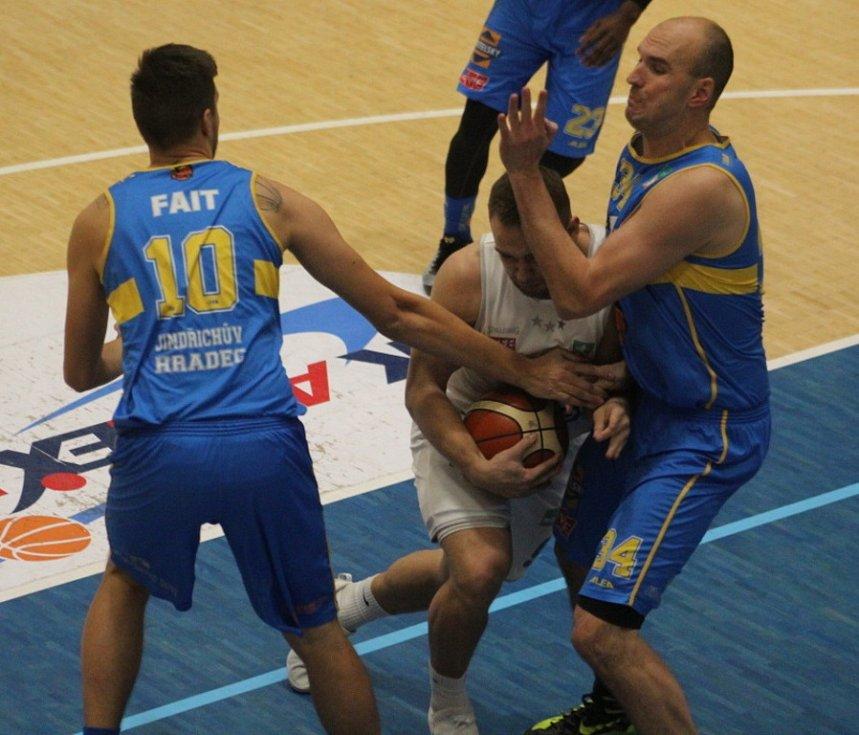 BYL TO BOJ! Děčínští basketbalisté doma přivítali Jindřichův Hradec.