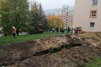 V Jílovém došlo k úniku plynu z překopnutého potrubí.