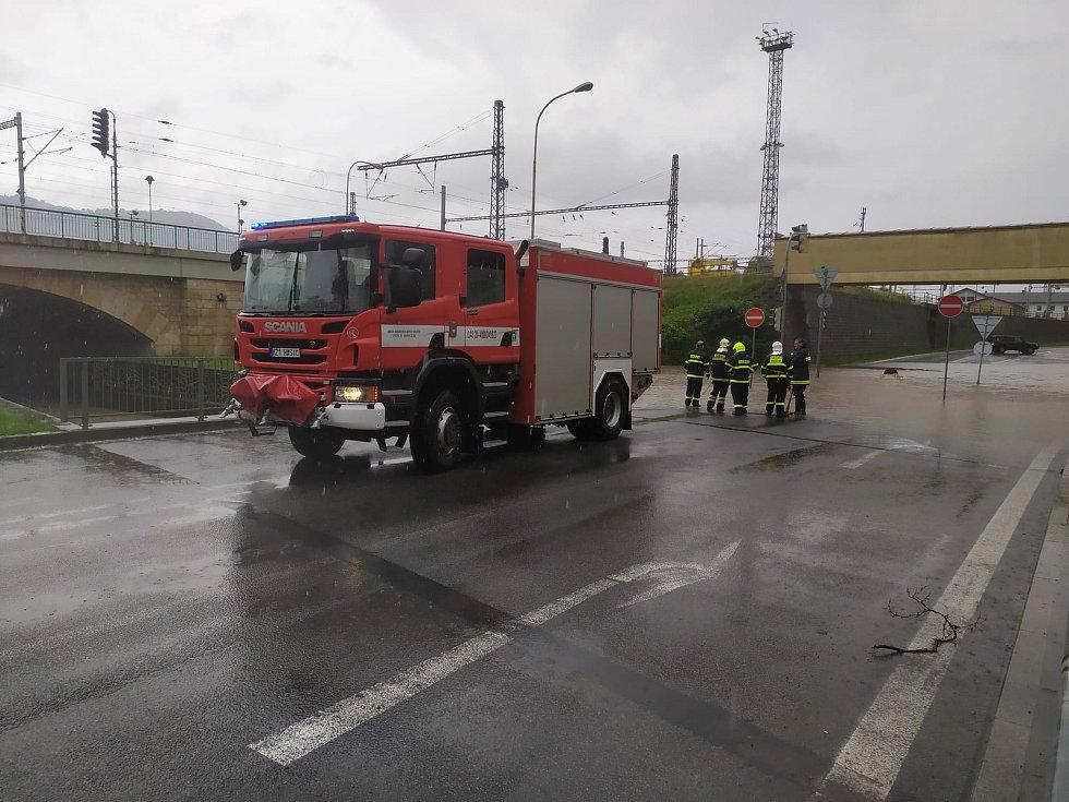 Zatopený viadukt Pětimostí v Děčíně.