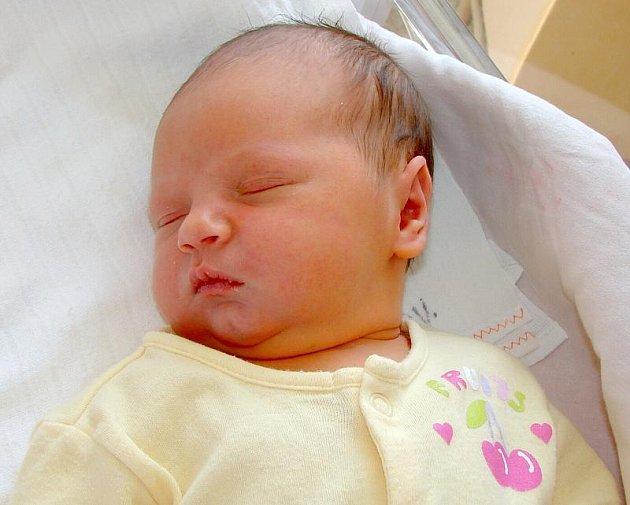 Janě Karkulové z Rumburka se 15.srpna v 00.05  rumburské porodnici narodila dcera Ema. Měřila 51 cm a vážila 3,62  kg.