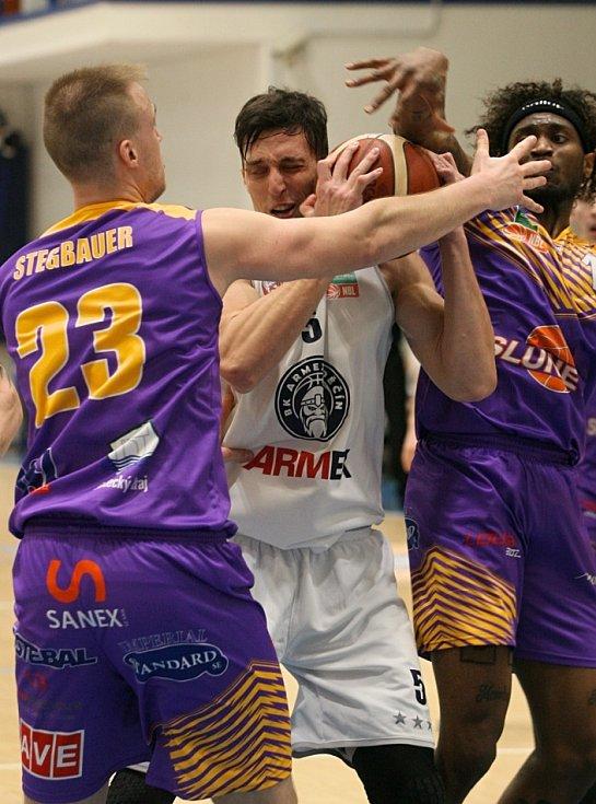 Děčínští basketbalisté poprvé v sezoně nestačili na Ústí nad Labem.