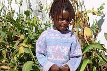 Osmiletá Nancy chodí do čtvrté třídy na základní škole v Monzev Zambii.