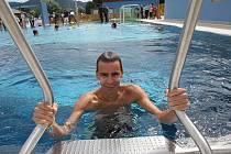 Nerezový bazén na děčínském plavečáku.