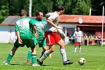 ZÁVEREČNÉ KOLO. Tatran Rybniště (zelená) doma porazil 2:0 Staré Křečany.