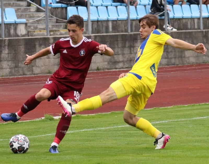 Další výhra. Varnsdorf (ve žlutém) doma porazil Spartu B 3:1