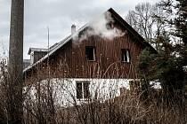 Požár rodinného domu v obci Staré Křečany.