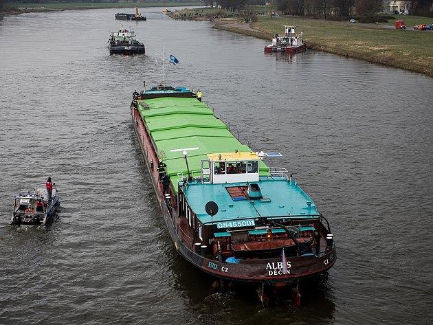 Stačilo sedm minut a česká loď v Drážďanech byla volná.