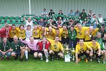 Vilémovští fotbalisté se přímo na hřišti v Braňanech mohli z obhajoby pohárového triumfu radovat se svými fanoušky.