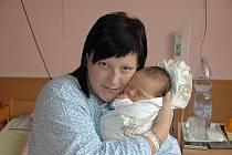 Alexandře Derynkové z Děčína se v ústecké porodnici 29. října v 17.55 hodin narodil syn Viktor. Měřil 53 cm a vážil 3,8 kg.