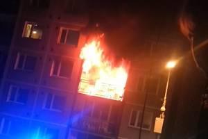 Požár paneláku v Boleticích.