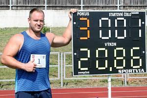PADALY REKORDY. Memoriál Vlastimila Koči přinesl dva nové rekordy stadionu ASK Děčín.