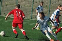 PADLI. Junior Děčín (v červeném) doma prohrál s FK Louny 0:1.