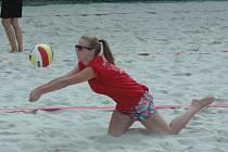 TURNAJ v plážovém volejbale se konal v děčínském Aquaparku.