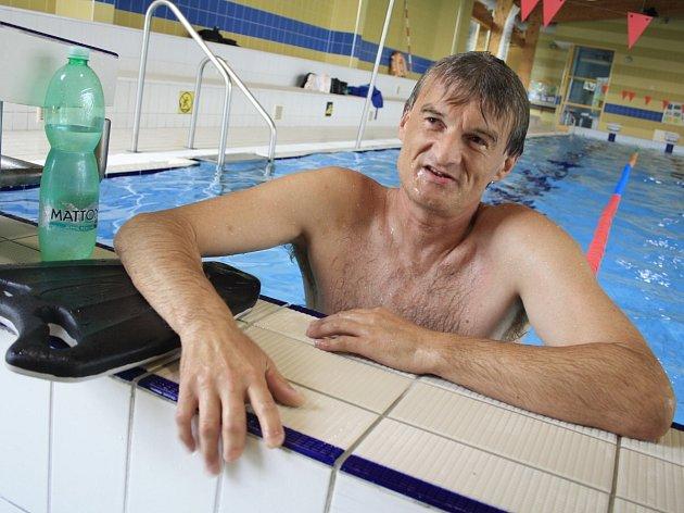 Plavec Miroslav Smrčka oslepl, přesto chce na olympiádu.