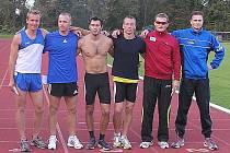 Děčínský Duben (vlevo) v exelentní společnosti.