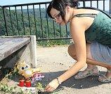 Pomníček sedmnáctiletého sebevraha.