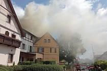 Požár hotelu Zlatá Lípa.