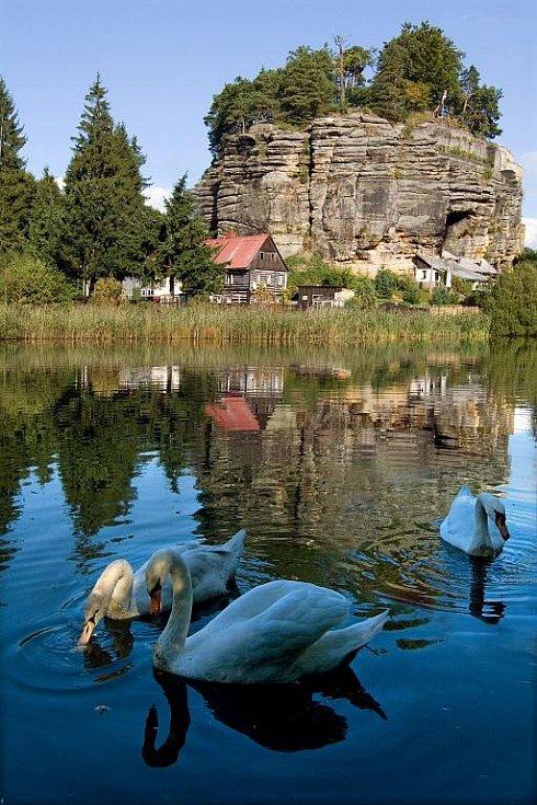 Sloupský skalní hrad a podhradí.