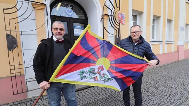Tibetská vlajka poprvé zavlála i ve Varnsdorfu.