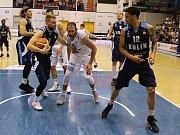ÚSPĚŠNÝ VSTUP. Děčínští basketbalisté porazili Kolín a v sérii vedou 1:0.