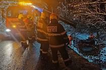 Dopravní nehoda osobního auta na Sněžníku.