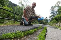 Silnice v Dolním Žlebu jsou v dezolátním stavu