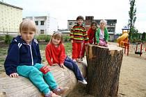 Krásnolipské děti užívají nové hřiště i školu
