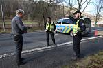 Hraniční přechod ve Hřensku hlídali už od začátku krize policisté.