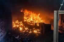 K požáru do budovy bývalé slévárny ve Varnsdorfu vyjížděli hasiči ve čtvrtek 9. dubna.