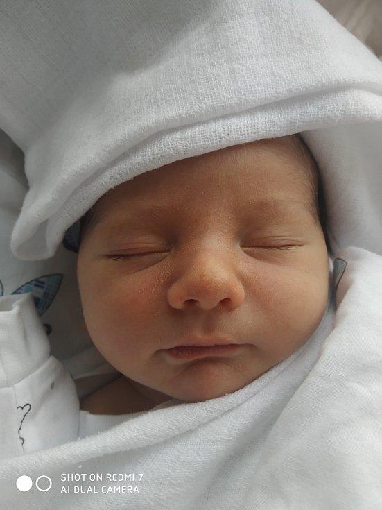 Kryštof Šimánek se narodil Kateřině Šimánkové 19.11. v 16.21 v děčínské porodnici.