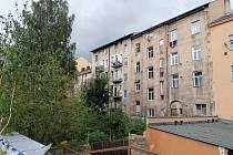 V Děčíně spadl muž z balkonu, pád nepřežil.