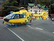 Do Hřenska přiletěl i vrtulník letecké záchranné služby. Muži už ale nebylo pomoci