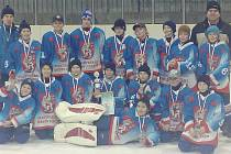 Úspěšný tým po turnaji v Jaroměři.