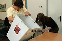 29. května 2010 úderem 14.00 začaly volební komise se sčítaním hlasů
