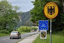 Poprvé po téměř čtvrt roce mohli turisté projet hraničním přechodem ve Hřensku, které se již probouzí k životu